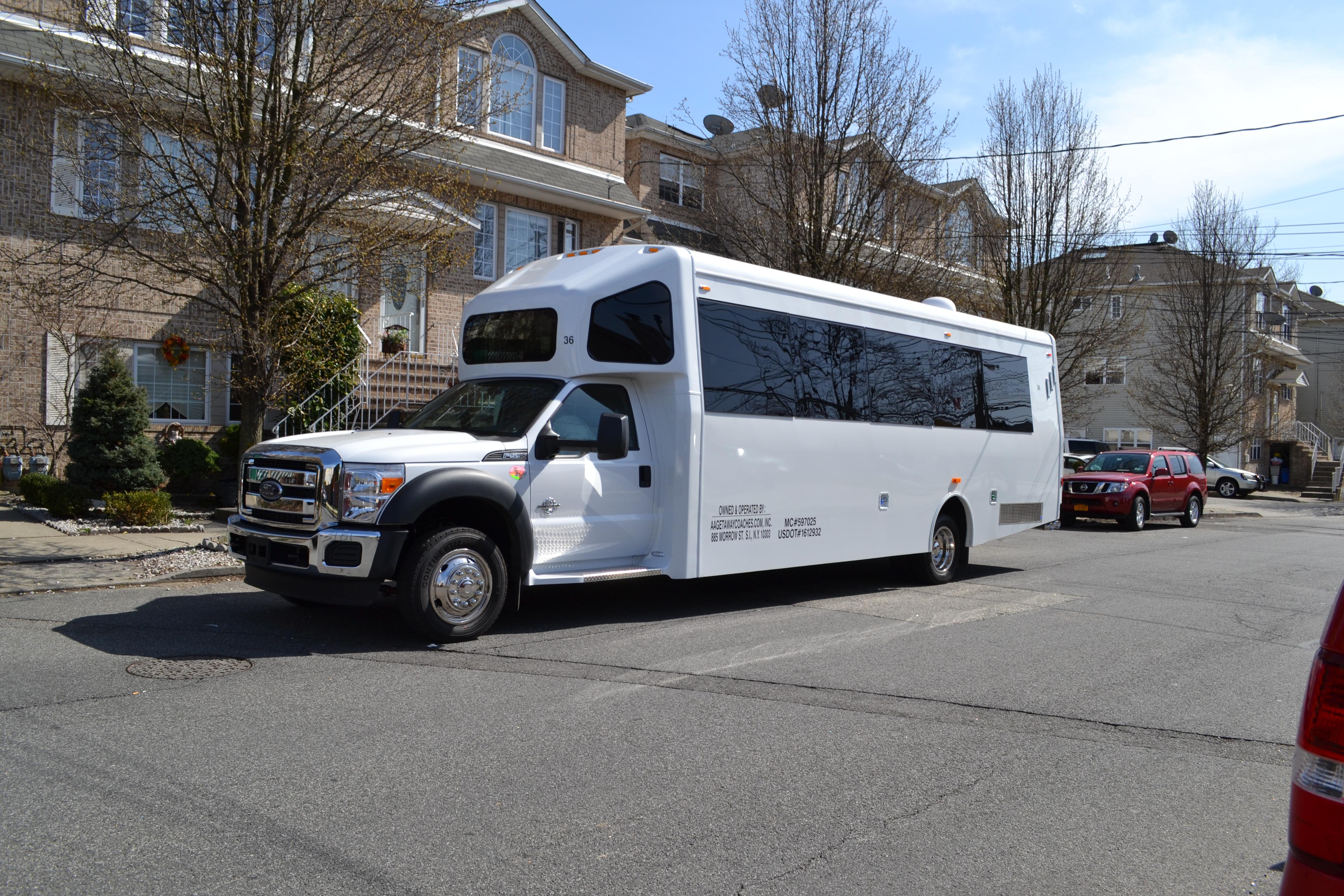 24 bus toronto
