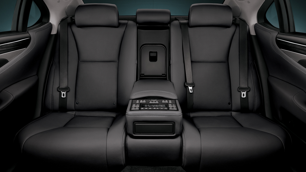 lexus back seats